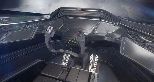 ORIG 350r Cockpit.jpg